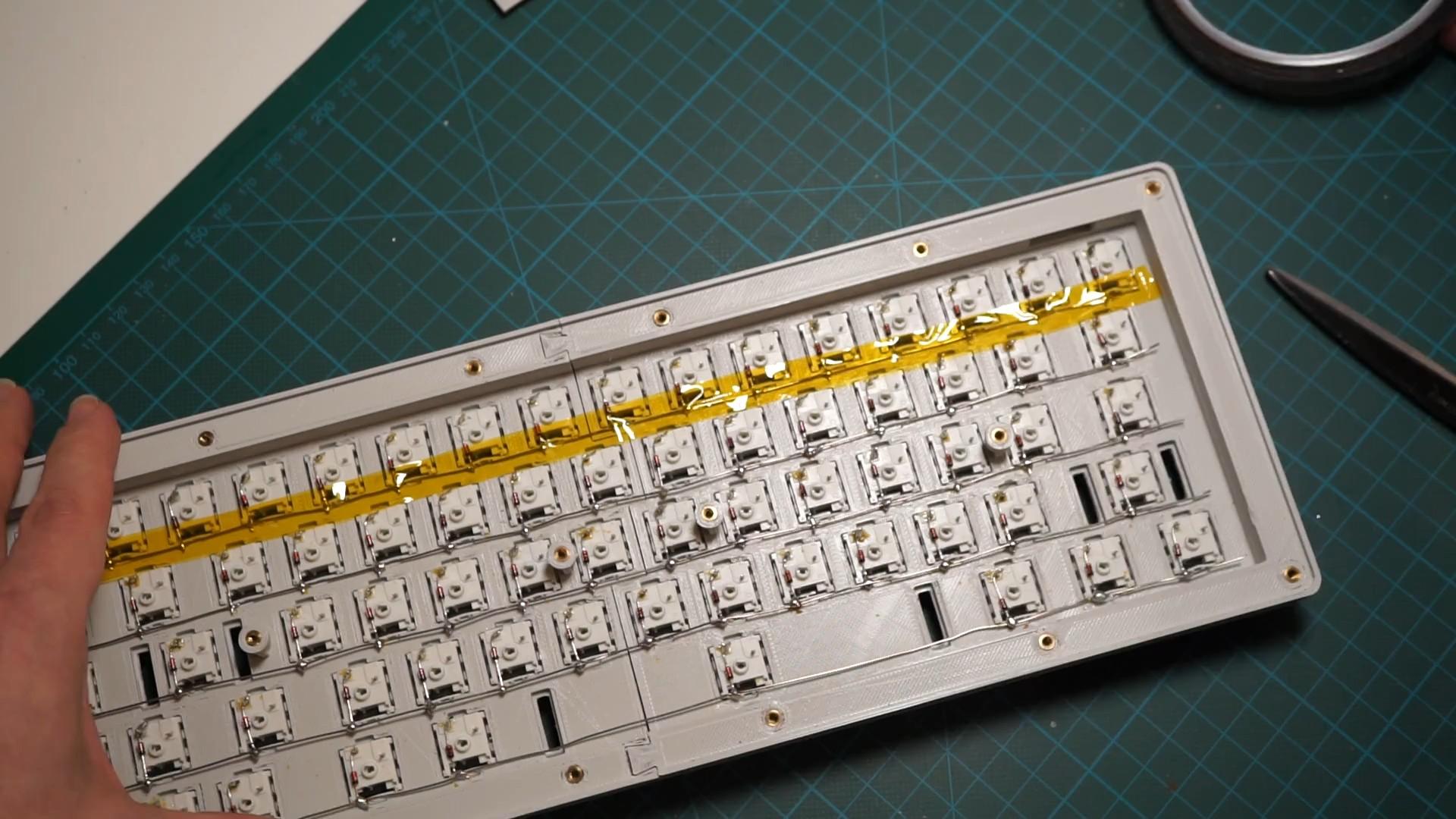 Hand-wiring a custom keyboard